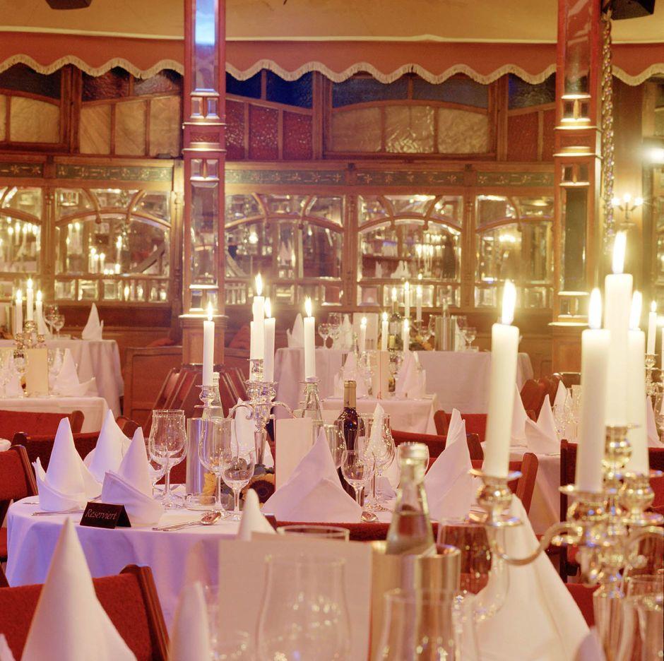 Gesetztes Dinner in der Bar jeder Vernunft Eventlocation Berlin