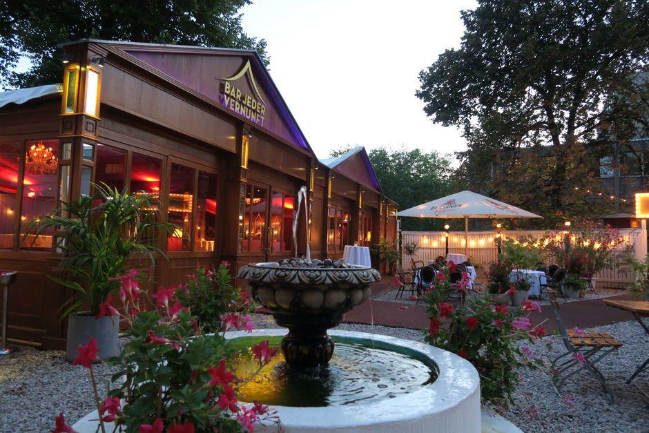 Sommerevents in der Bar jeder Vernunft Eventlocation Berlin
