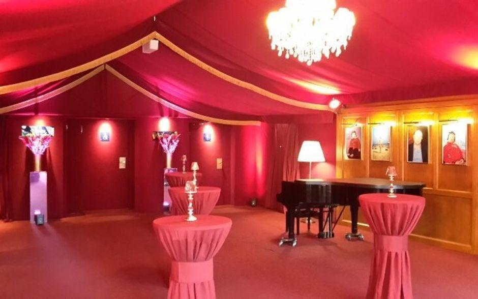 Foyer der Bar jeder Vernunft Eventlocation Berlin