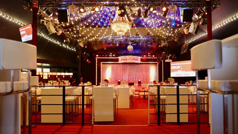 eventlocation shows theater bar jeder vernunft berlin. Black Bedroom Furniture Sets. Home Design Ideas